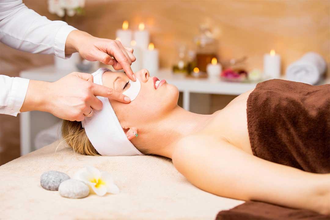 facial-eye-treatment